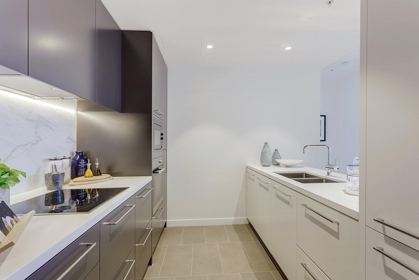 Drummond-Place-apartment-301-kitchen